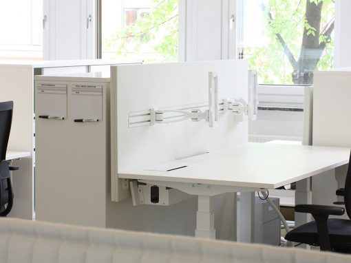 Dezibel bordsskärm på kontorsplats