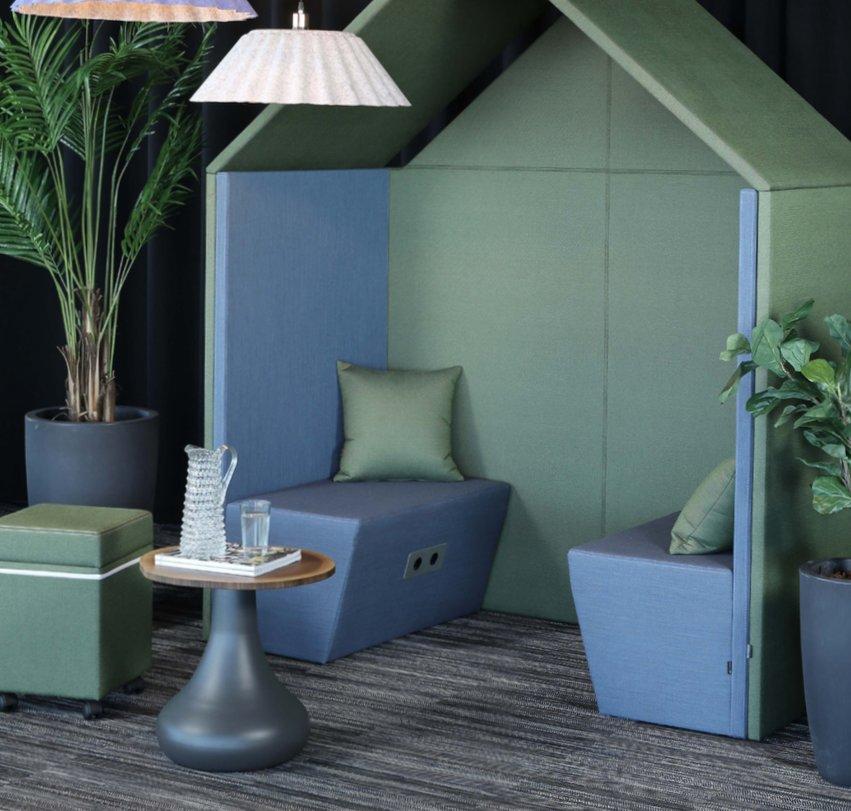 Half a Hut med Half A Hut Sofa