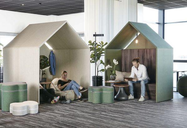 Half a Hut i lobby