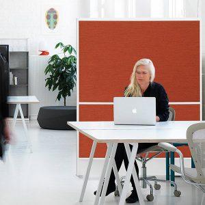 Offizz tyg/tyg i snyggt rött i arbetsrum