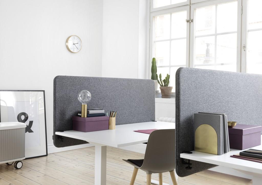 Installation av softline 30 bordsskärmar på kontor