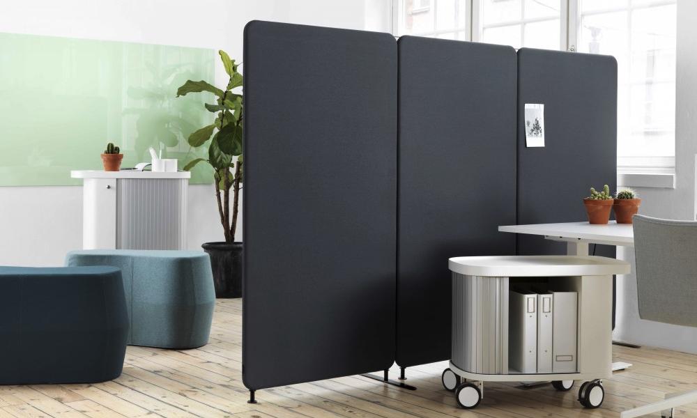 """Med Softline golvskärmar delar du lätt av kontoret för en """"Snackhörna"""""""