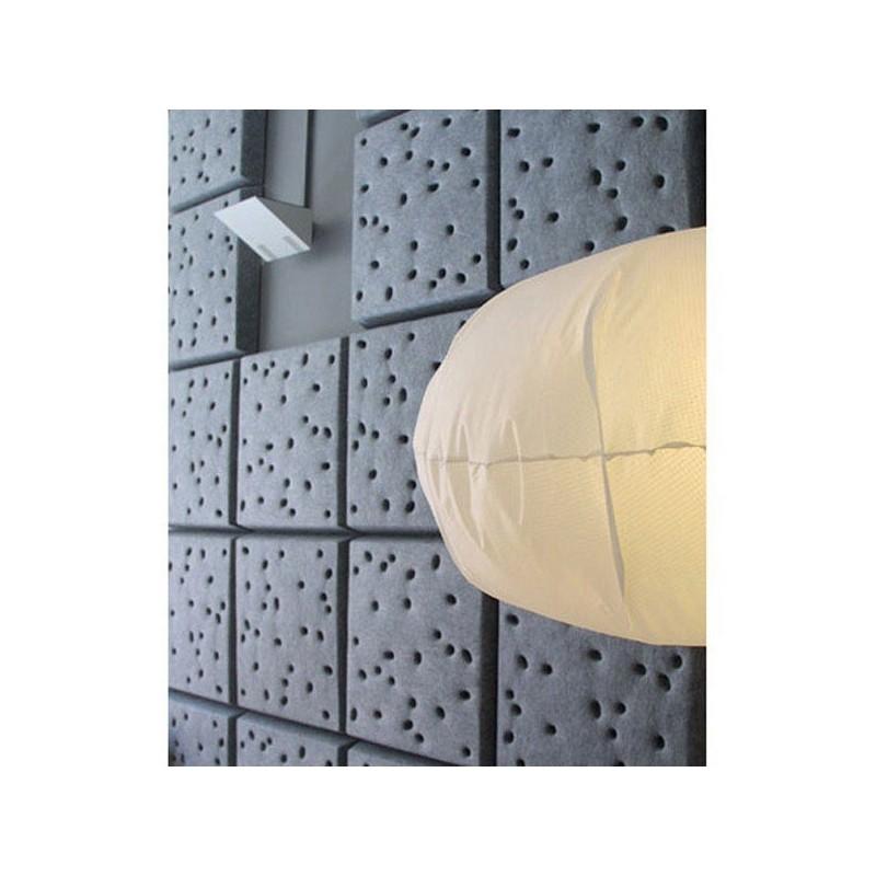 Akustikpaneler uppsatta på väggparti
